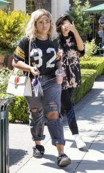 Kylie Jenner Goes for Pizza With Jordyn Woods at Fresh Brothers in Calabasas 09/02/2016-2