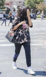 Kylie Jenner Goes for Pizza With Jordyn Woods at Fresh Brothers in Calabasas 09/02/2016-4