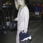 Elle Fanning Was Seen at LAX Airport in Los Angeles 10/11/2016-3