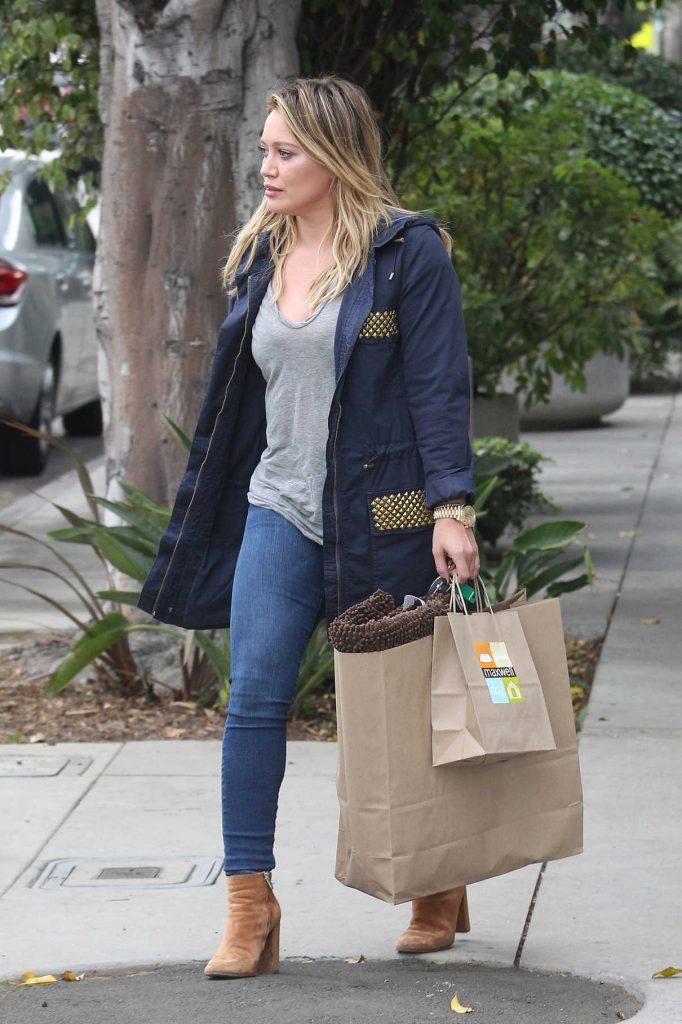 Hilary Duff Goes Shopping in Studio City 10/23/2016-1