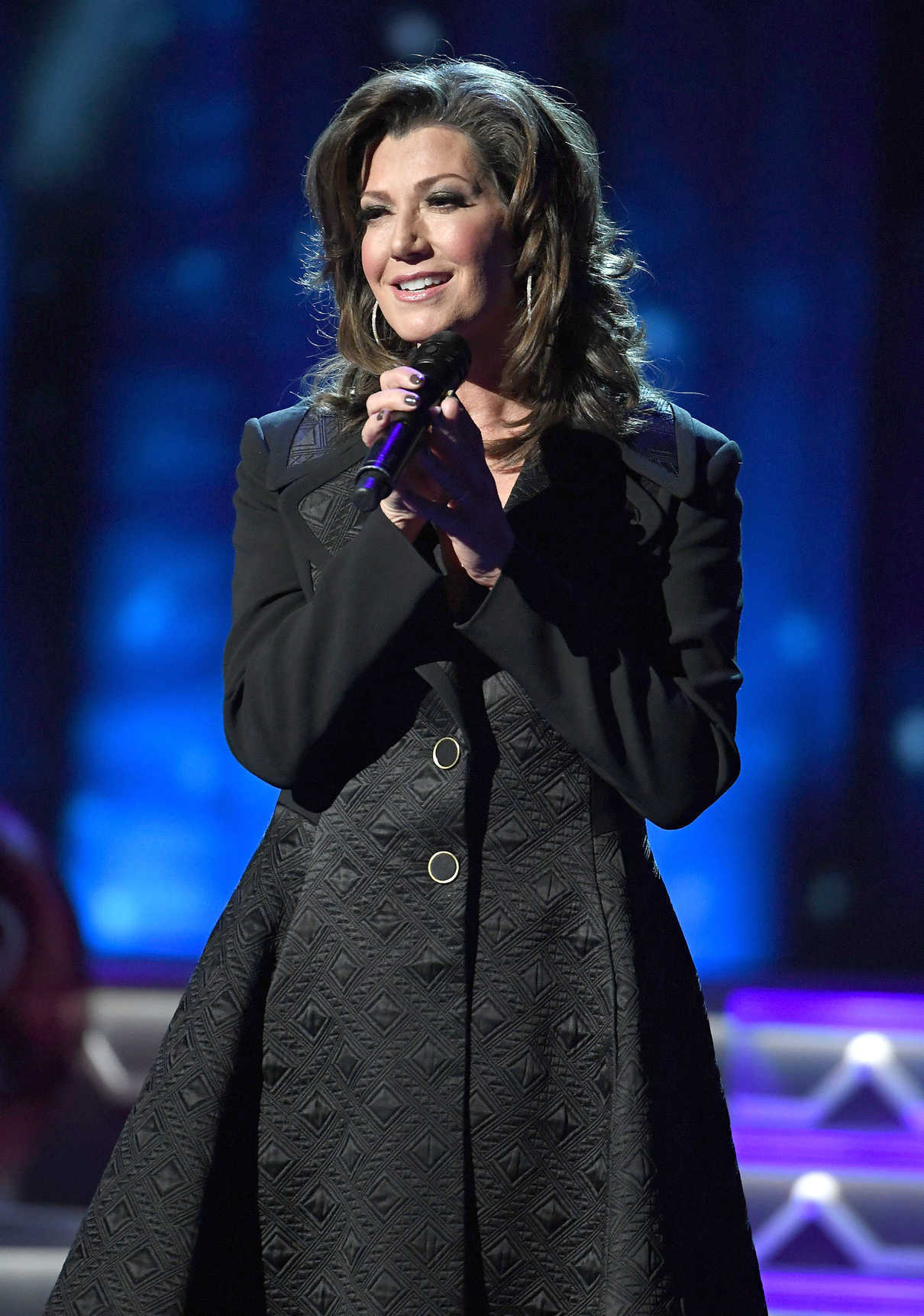 amy grant at the cma 2016 country christmas in nashville 11082016