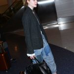 Elle Fanning Was Seen at LAX Airport in Los Angeles 11/04/2016-4