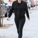 Jennifer Garner Was Seen Out in Brentwood 11/08/2016-3
