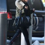 Hailey Baldwin Arrives at JFK Airport in New York 12/19/2016-3
