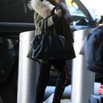Hailey Baldwin Arrives at JFK Airport in New York 12/19/2016-4