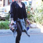 Hilary Duff Stops by a Gym in Studio City 12/28/2016-2