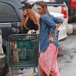 Jessica Alba Goes Shopping Out in Hawaii 12/29/2016-3