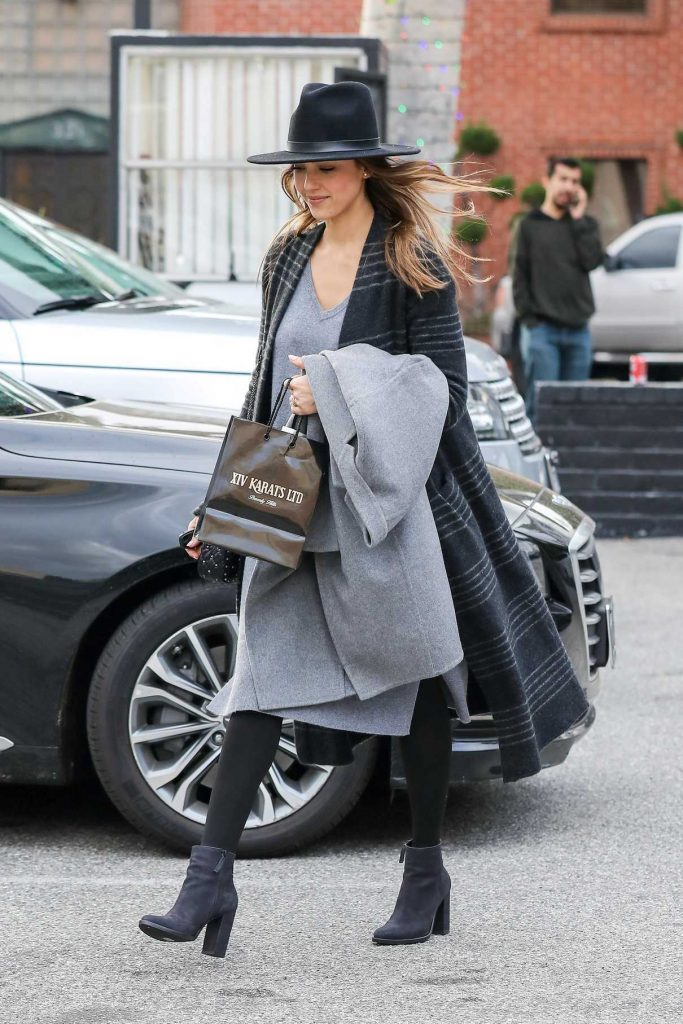 Jessica Alba Was Seen Out in Beverly Hills 12/23/2016-1