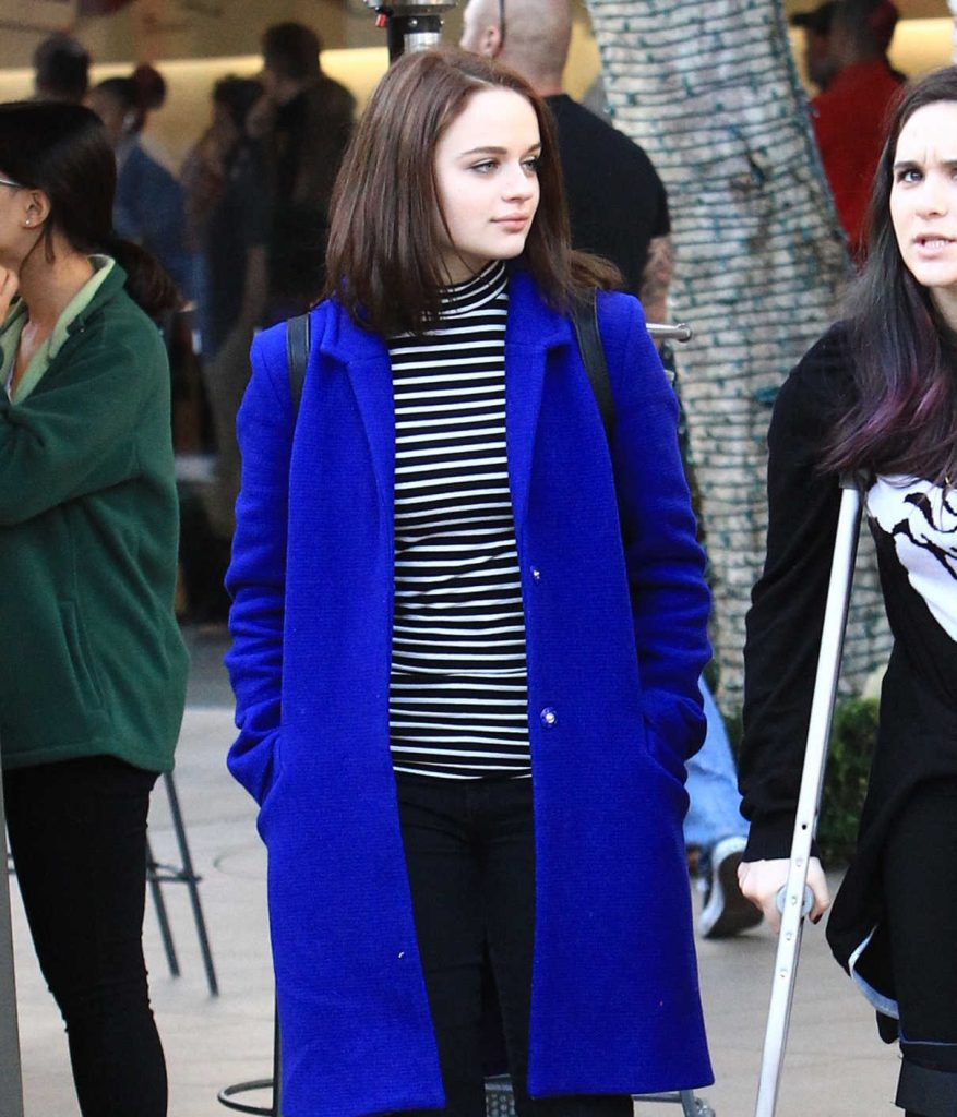 Joey King Goes Shopping With a Friend at the Grove in LA 12/16/2016-1