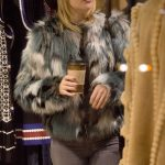 Kate Hudson Goes Shopping in Aspen 12/27/2016-4