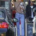 Kendall Jenner Arrives at Sweetgreen in West Hollywood 12/28/2016-2