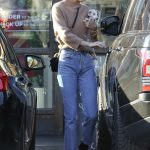 Kendall Jenner Arrives at Sweetgreen in West Hollywood 12/28/2016-4