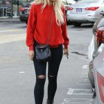 Ashlee Simpson Was Seen Out in Sherman Oaks 01/10/2017-2