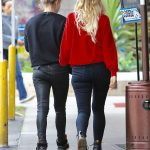 Ashlee Simpson Was Seen Out in Sherman Oaks 01/10/2017-5