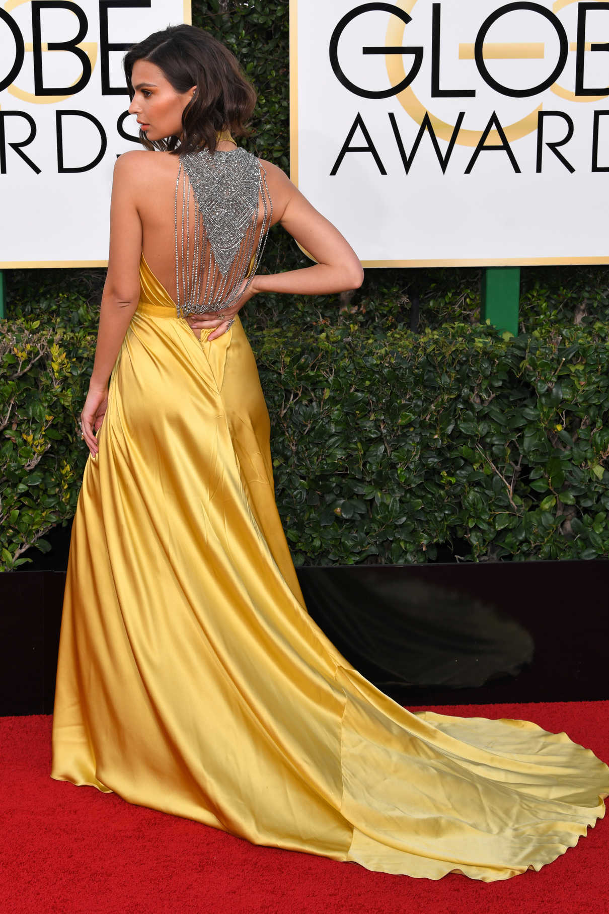Emily Ratajkowski at the 74th Annual Golden Globe Awards in Beverly Hills 01/08/2017-3