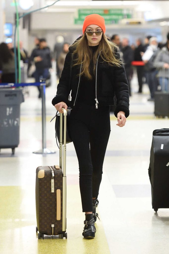 Gigi Hadid Arrives at JFK Airport in NYC 01/13/2017-1