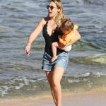 Haylie Duff Was Seen at the Beach in Hawaii 01/02/2017-2