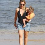 Haylie Duff Was Seen at the Beach in Hawaii 01/02/2017-3