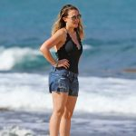 Haylie Duff Was Seen at the Beach in Hawaii 01/02/2017-5