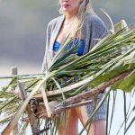 Hilary Duff Was Seen at the Beach in Hawaii 01/02/2017-5