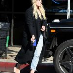 Hilary Duff Was Seen Out in Los Angeles 01/06/2017-4