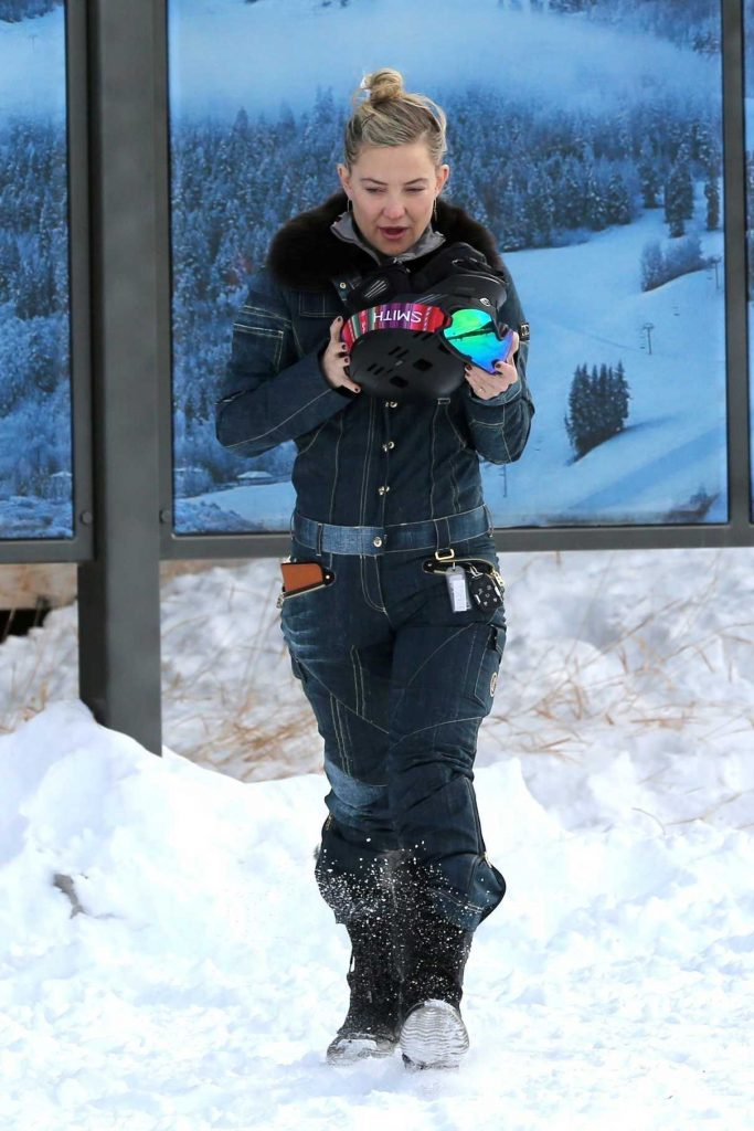 Kate Hudson Was Seen Out in Aspen 12/30/2016-1