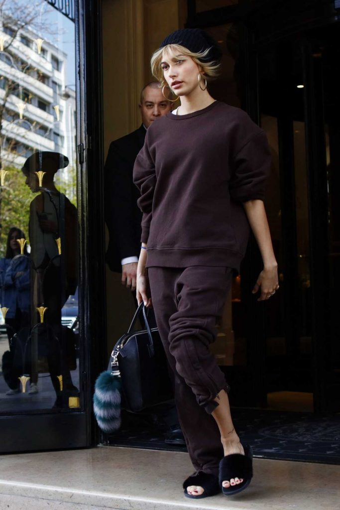 Hailey Baldwin Leaves Her Hotel in Paris 03/27/2017-1