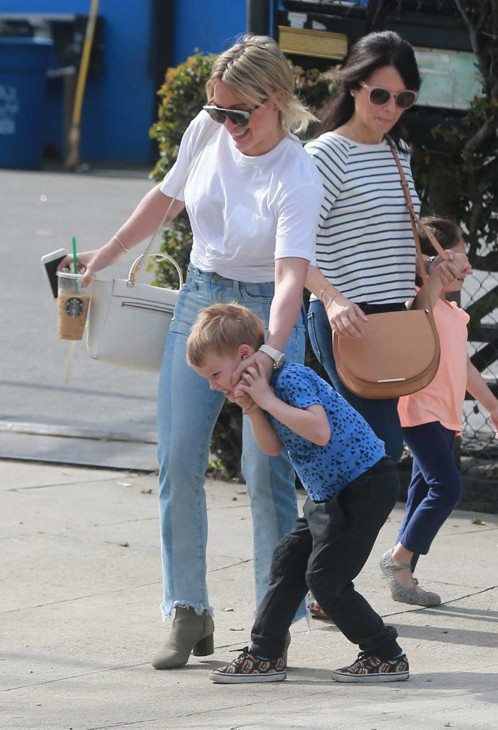 Hilary Duff Was Seen Out in Studio City 03/10/2017-1