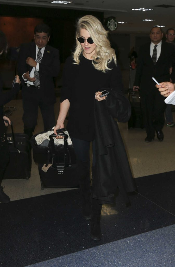 Julianne Hough Was Spotted at LAX Airport in LA 03/23/2017-1