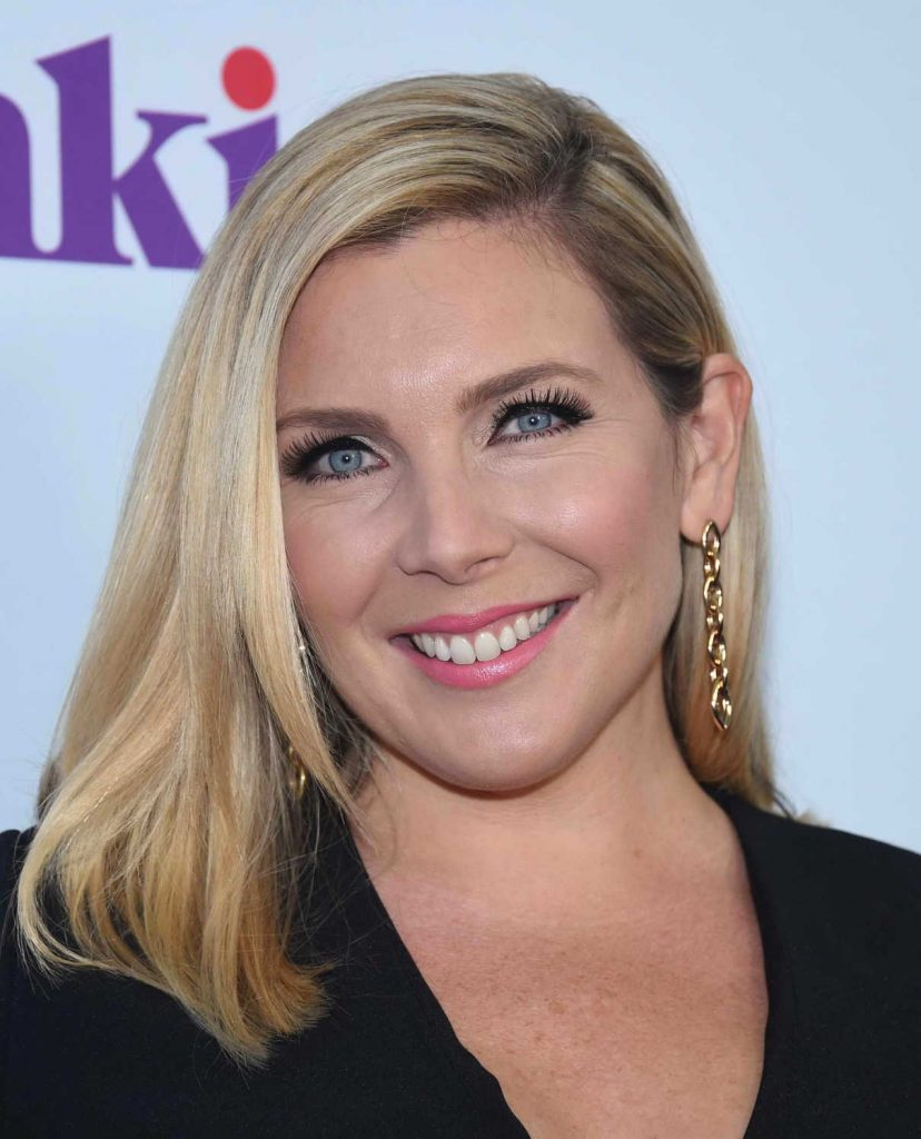 June Diane Raphael at the Grace and Frankie Season 3 Premiere in Los Angeles 03/22/2017-2