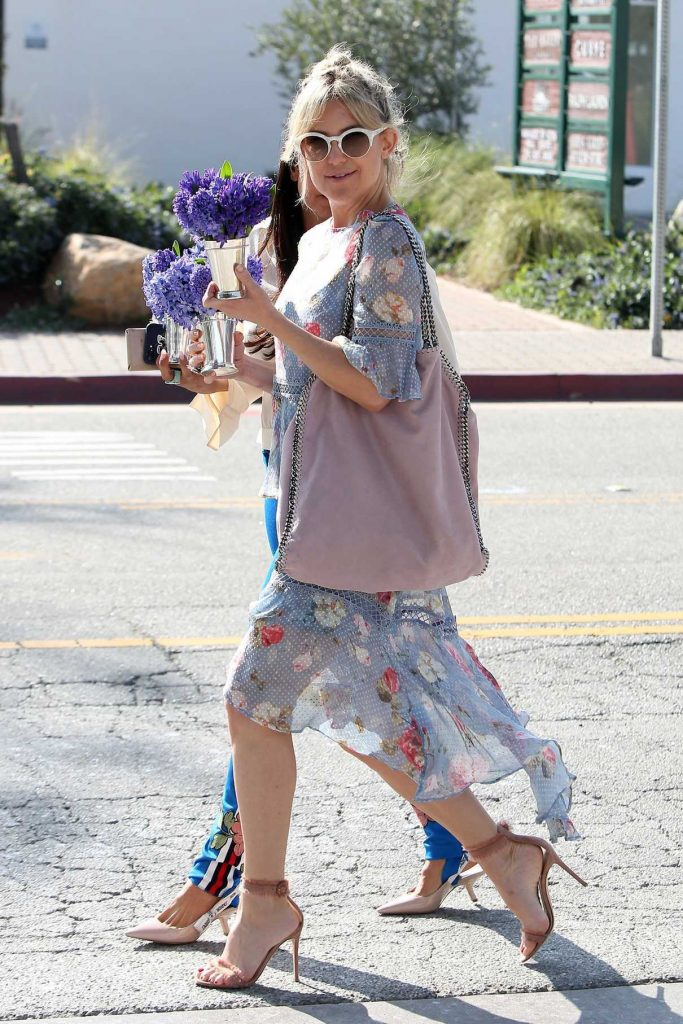 Kate Hudson Was Seen Out in Malibu 03/18/2017-1