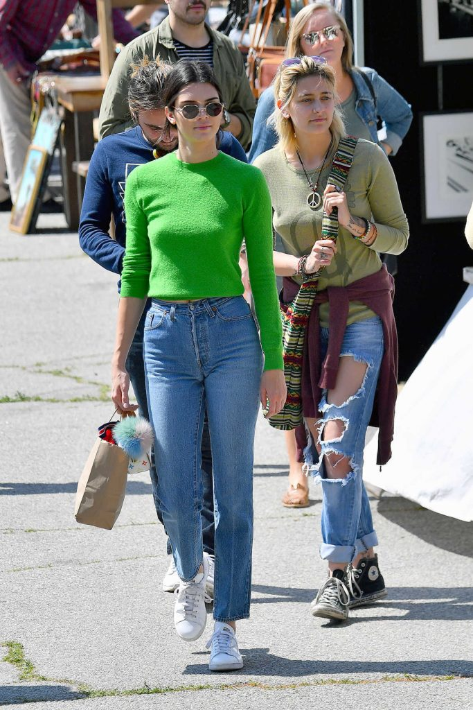 Kendall Jenner Was Seen at the Flea Market in Los Angeles 03/26/2017-1