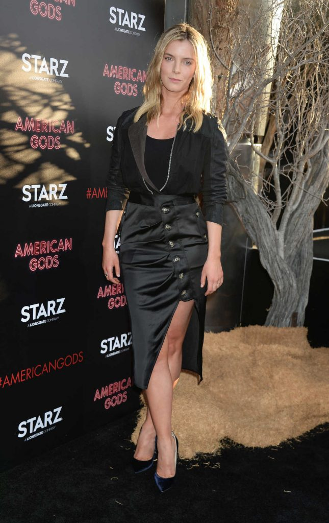 Betty Gilpin at American Gods Premiere in Los Angeles 04/20/2017-1