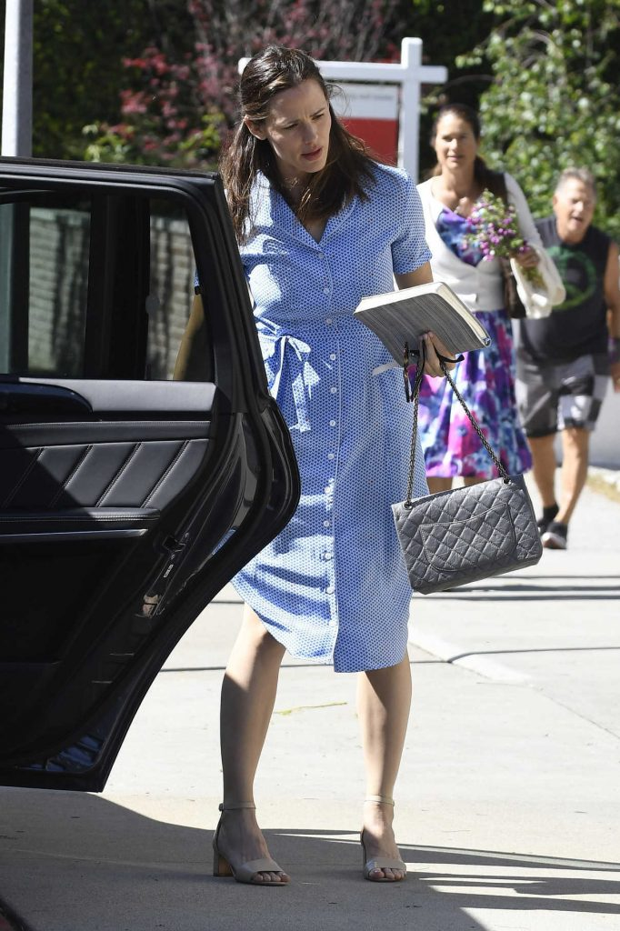 Jennifer Garner Was Seen Out in Pacific Palisades 04/16/2017-1