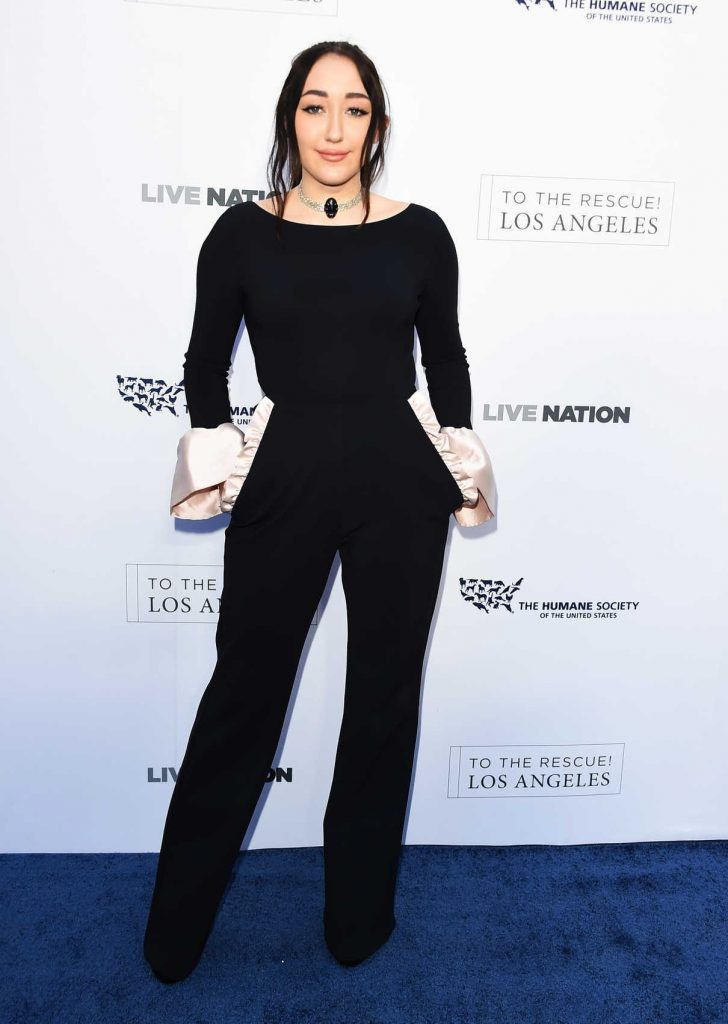 Noah Cyrus at the Humane Society of the United States' Annual to the Rescue! Los Angeles Benefit in Hollywood 04/22/2017-1