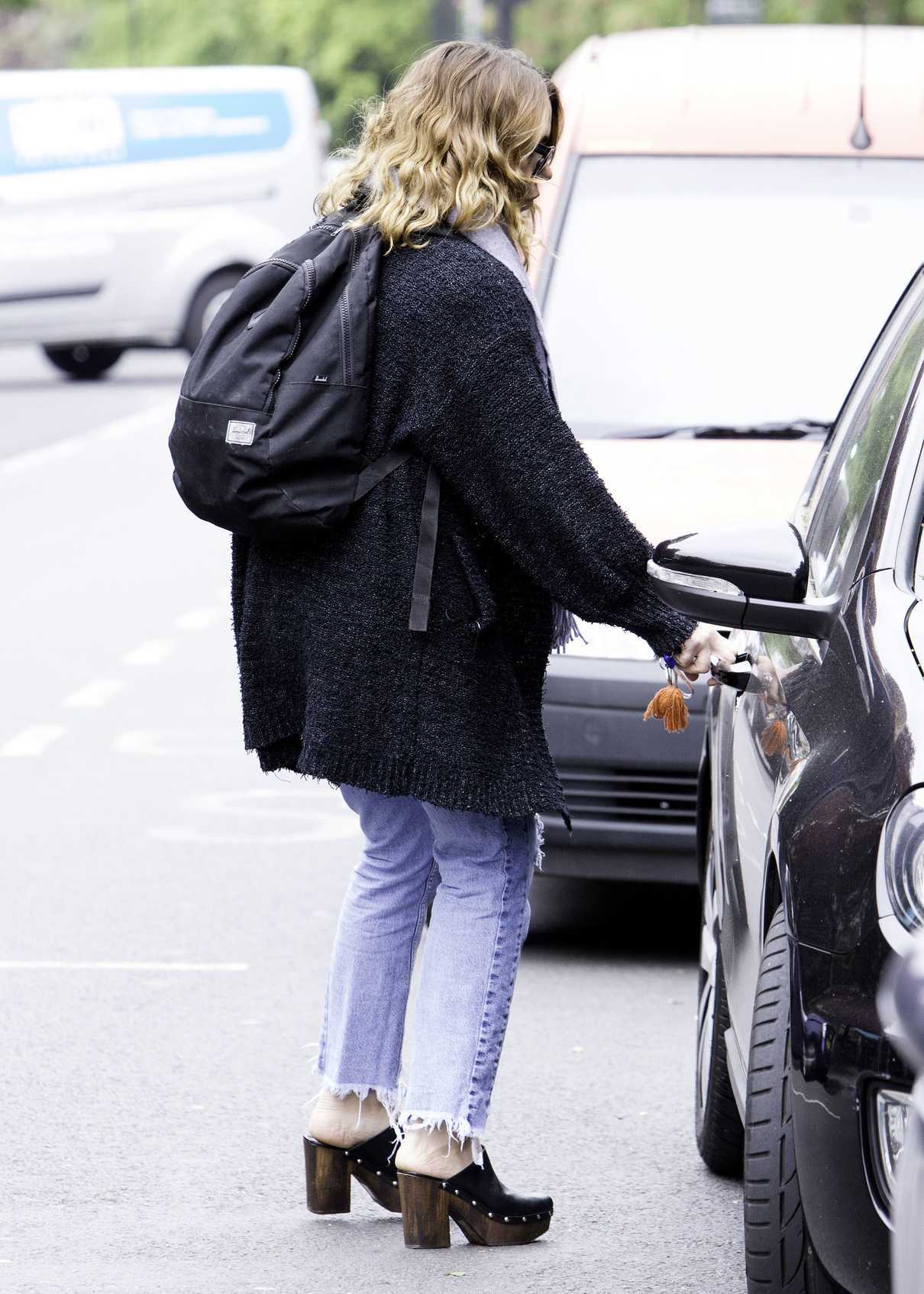 Billie Piper Was Seen Out in North London 05/08/2017-3