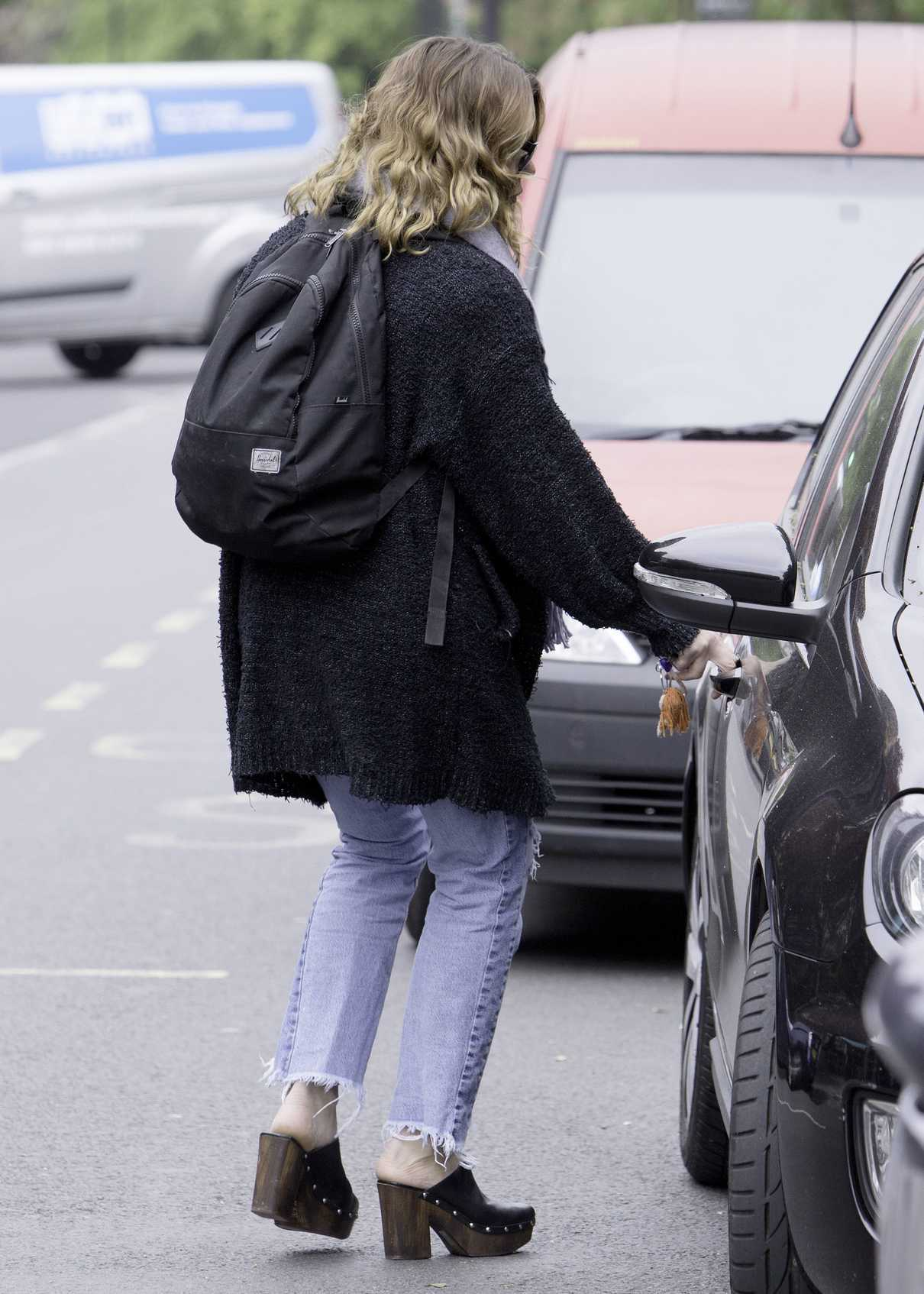 Billie Piper Was Seen Out in North London 05/08/2017-4