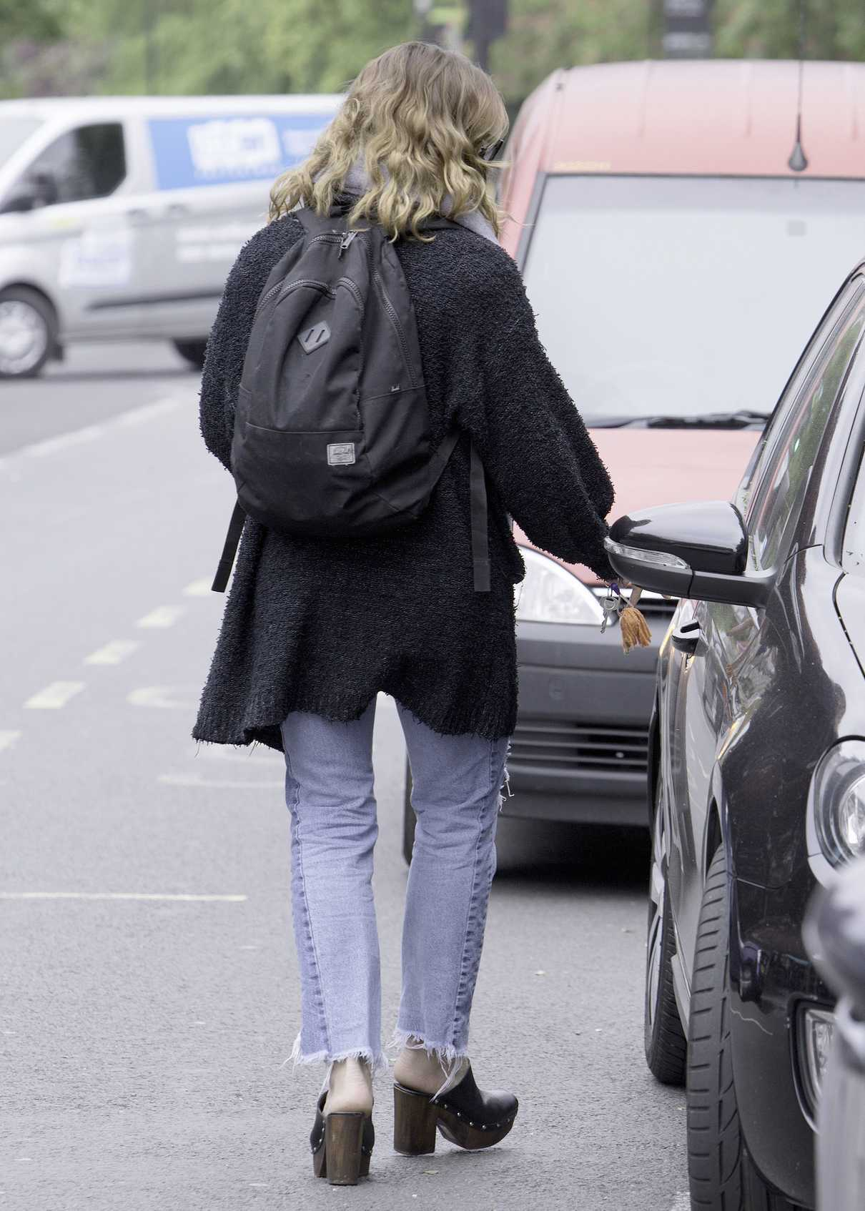 Billie Piper Was Seen Out in North London 05/08/2017-5
