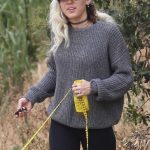 Miley Cyrus Was Seen Out for a Hike in the Hollywood Hills 05/09/2017-4