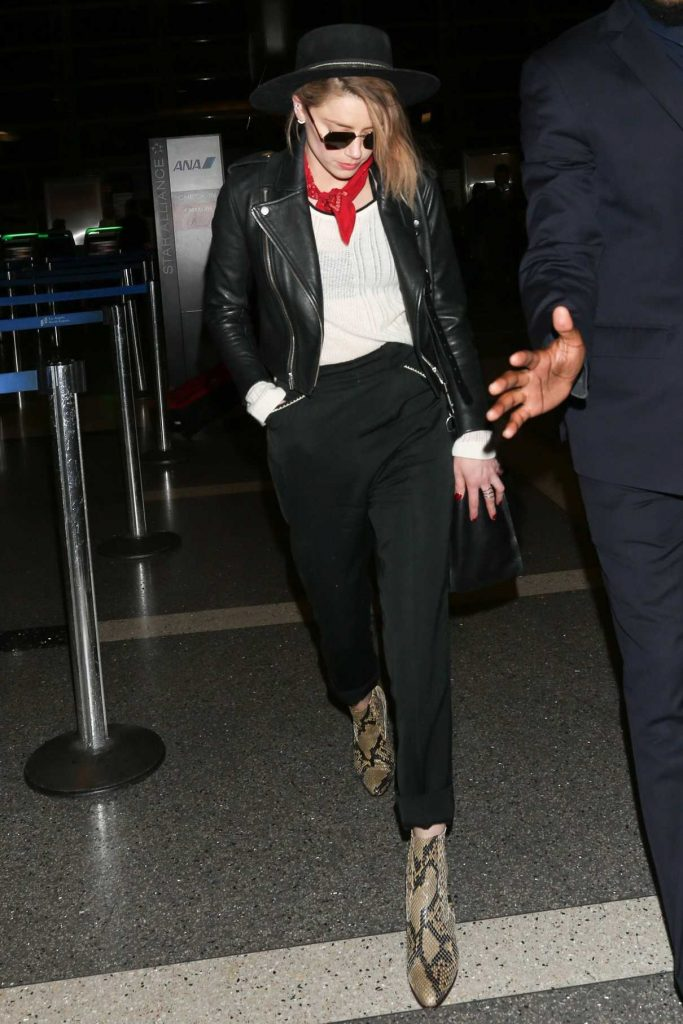 Amber Heard Was Seen at LAX Airport in Los Angeles 06/28/2017-1
