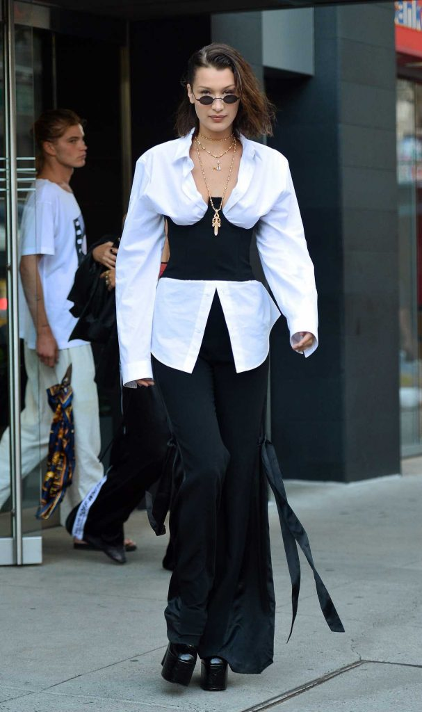 Bella Hadid Was Seen Out in NYC 06/12/2017-2