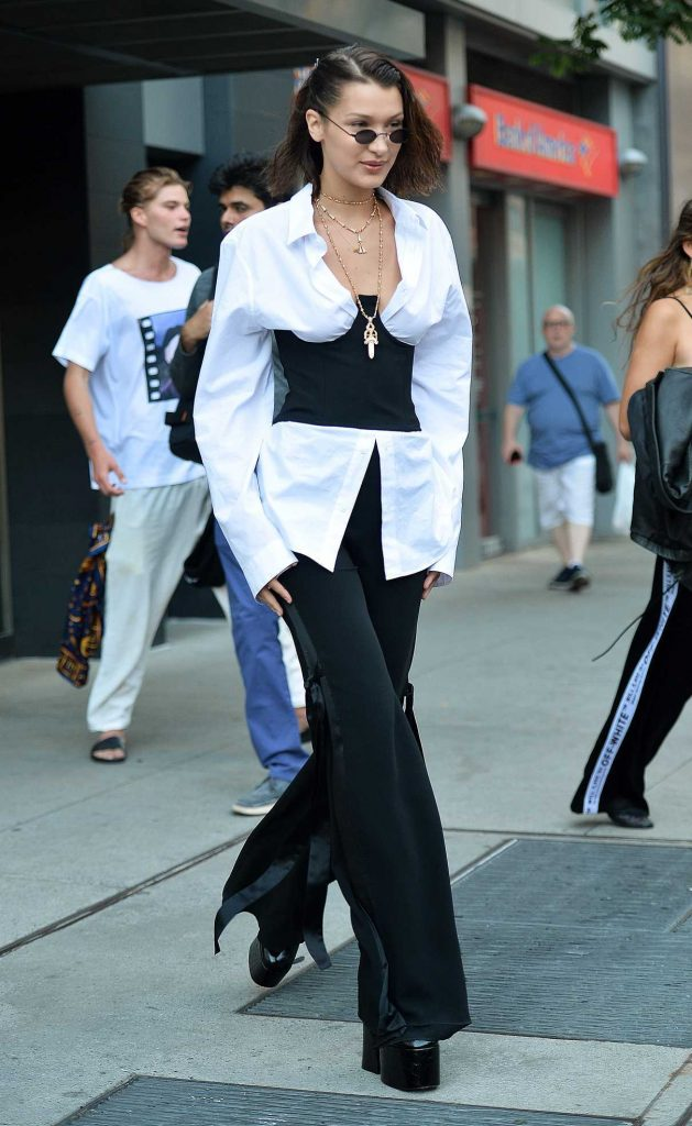 Bella Hadid Was Seen Out in NYC 06/12/2017-5