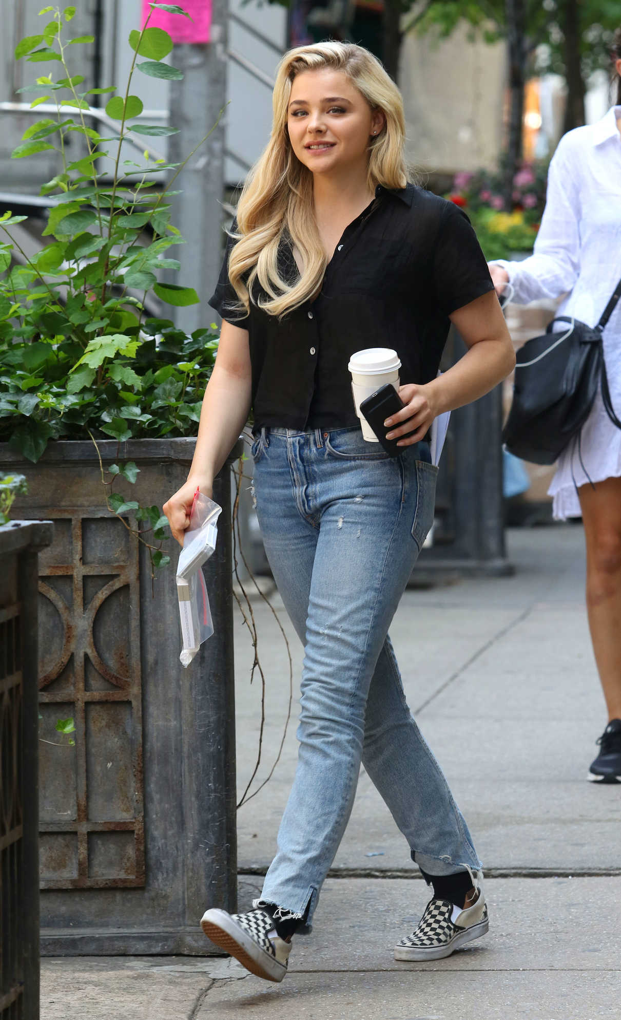 Chloe Moretz on the Set of Louis C.K. Untitled Film Project in NYC 06/17/2017-2