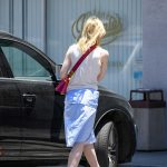 Elle Fanning Grabs a Lunch at El Pollo Loco in LA 06/27/2017-2