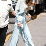 Gigi Hadid Leaves Her Apartment in NYC 06/15/2017-4