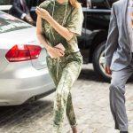 Gigi Hadid Returns Home in NYC 06/09/2017-3