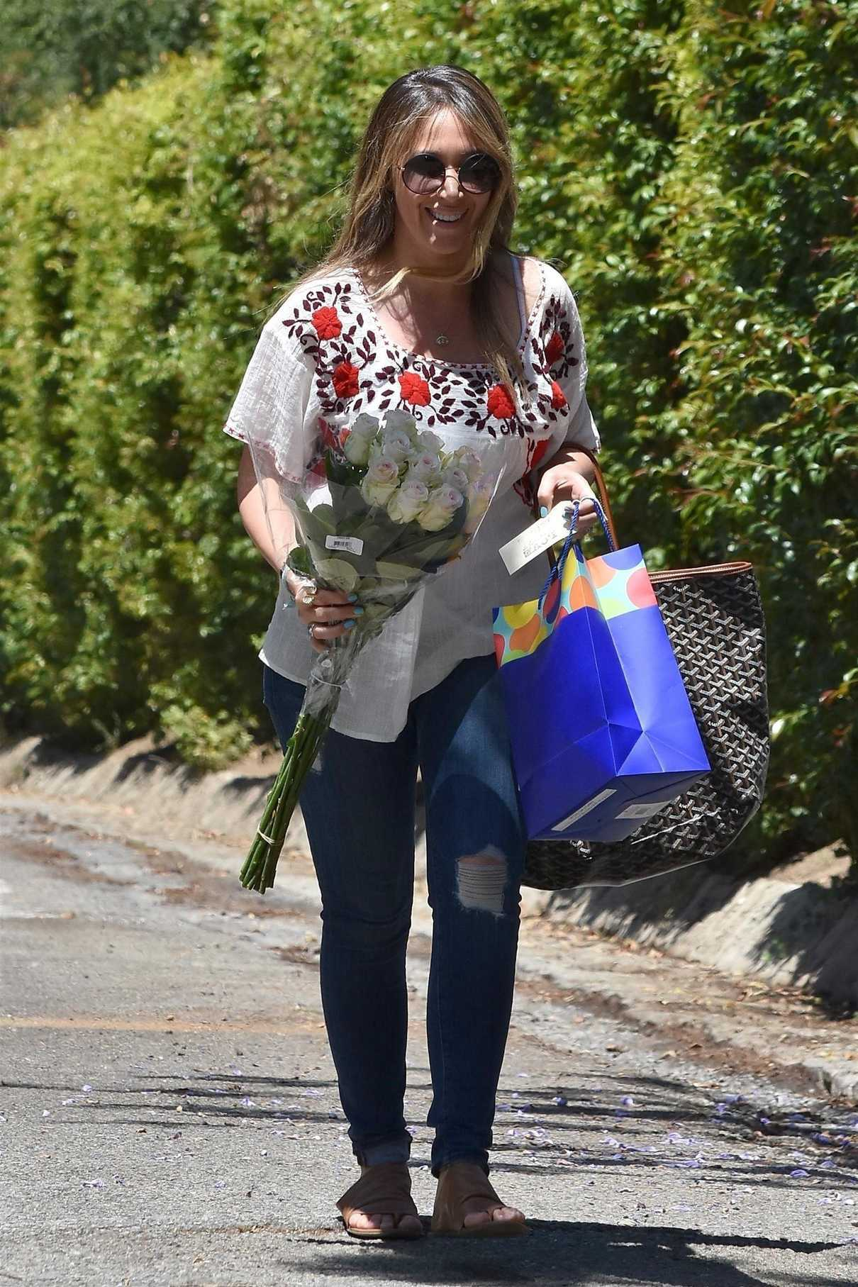 Haylie Duff Was Seen Out in Beverly Hills 06/17/2017-2