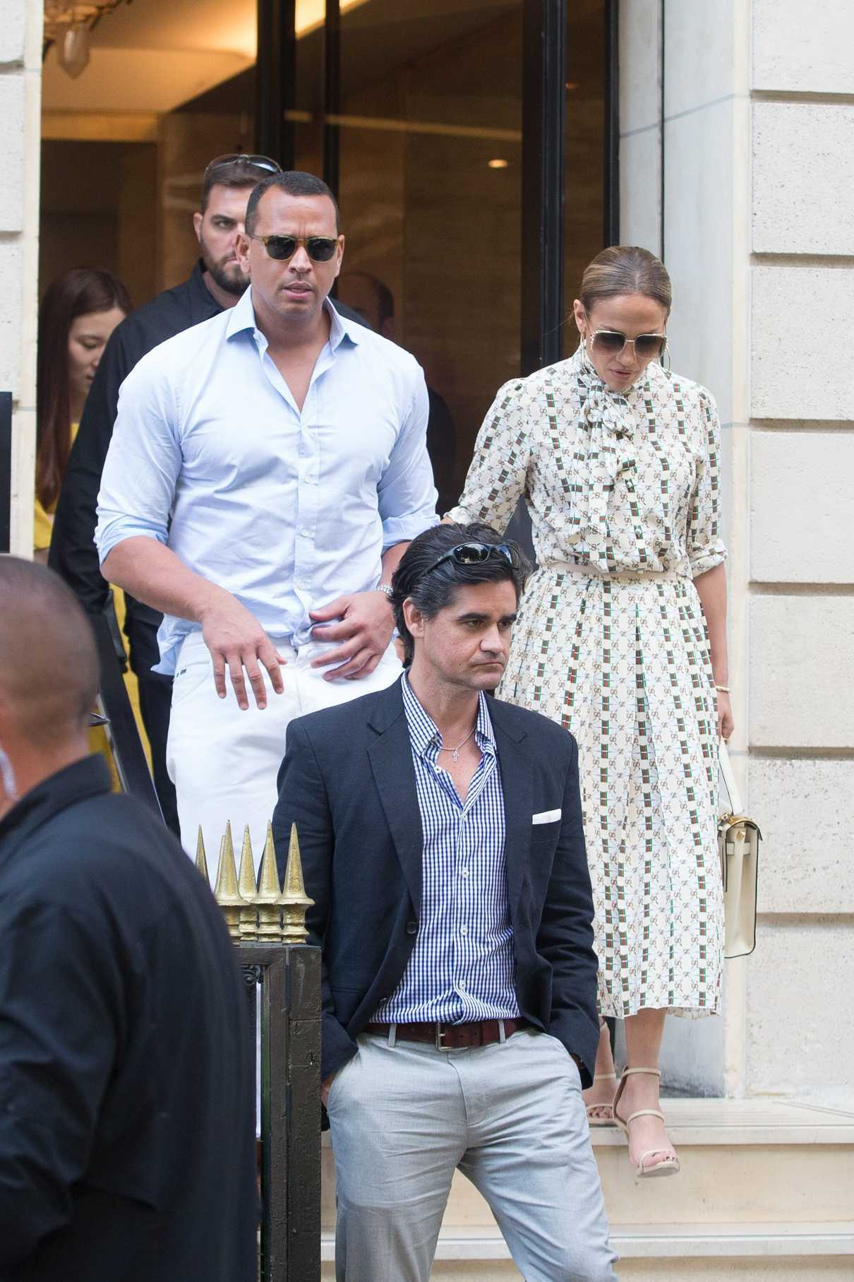Jennifer Lopez Visits the Louvre in Paris With Her Boyfriend Alex Rodriguez 06/17/2017-4