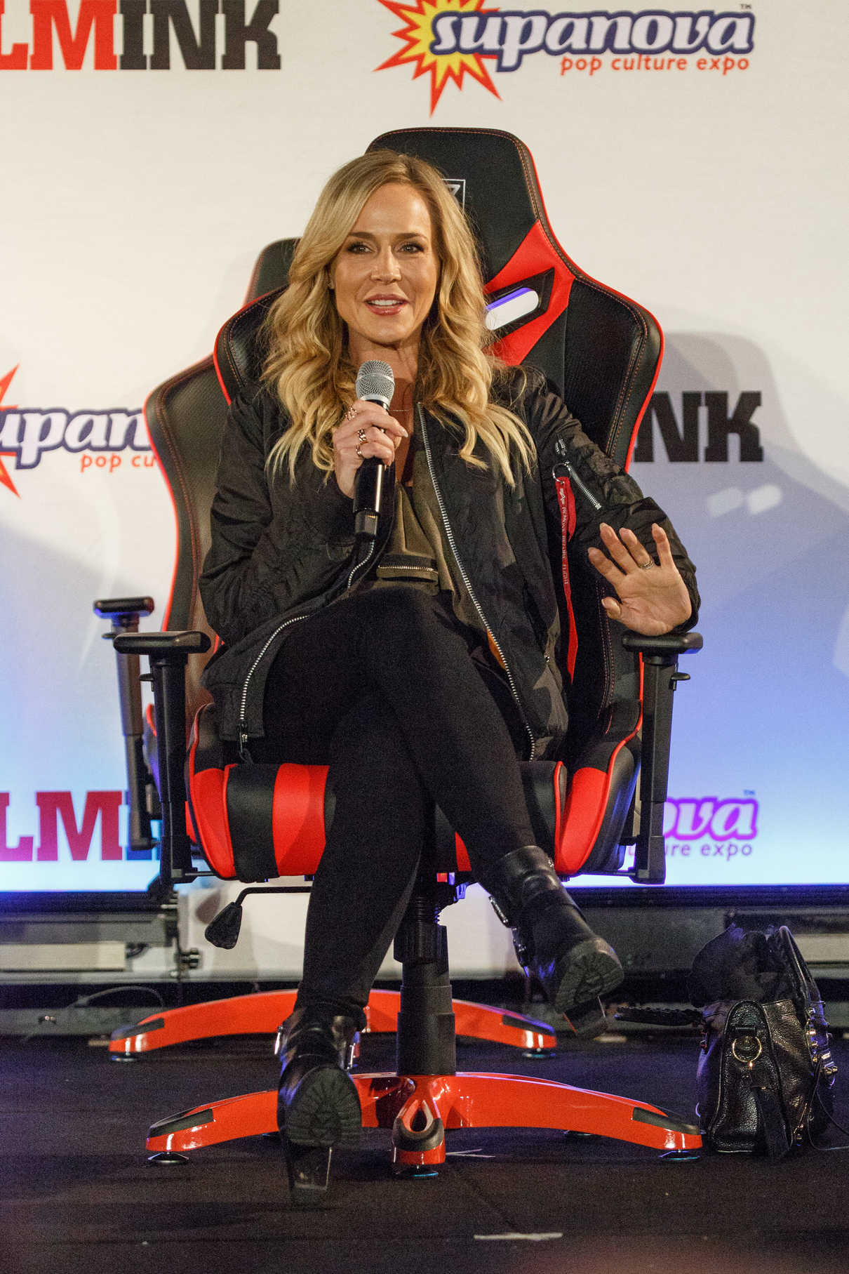 Julie Benz at the Supanova Comic Con and Gaming Expo in Sydney 06/17/2017-4
