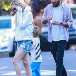 Kate Hudson Was Seen Out in Brentwood 06/18/2017-5